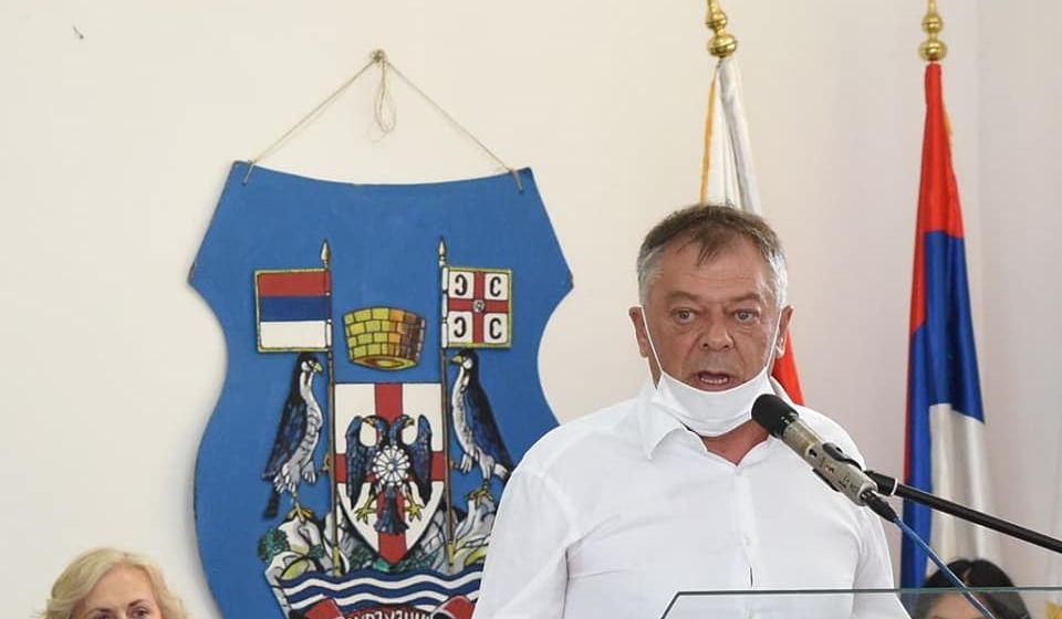 Novica Tončev na sednici surduličkog parlamenta. Foto Fejsbuk profil N. Tončeva