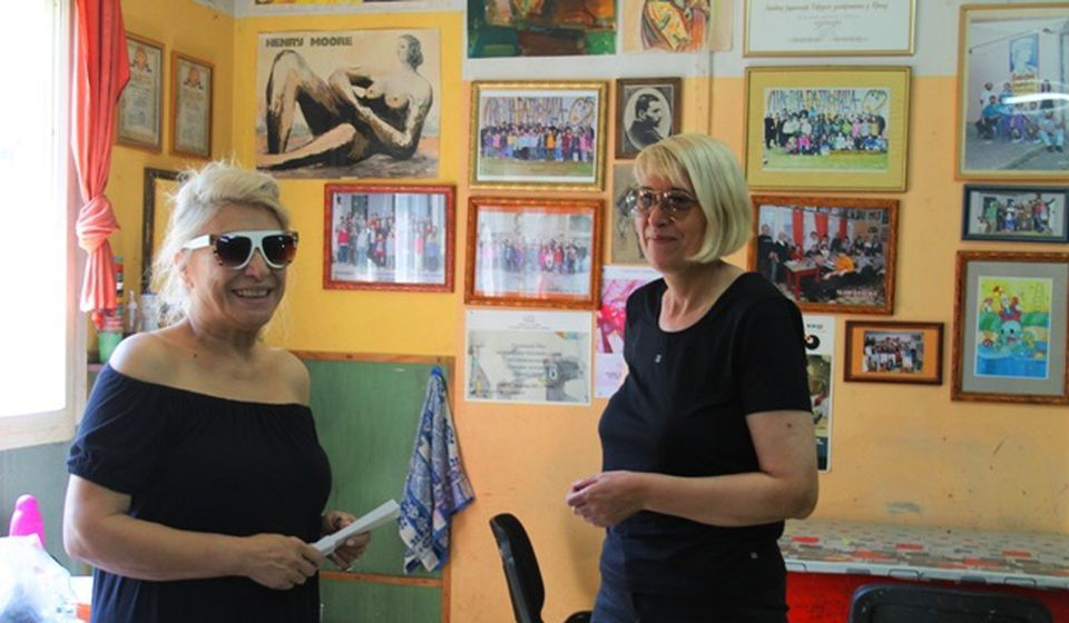 Vesna Marinković Stanković (desno) sa Duškom Radunović, slikarkom iz Pariza. Foto VranjeNews