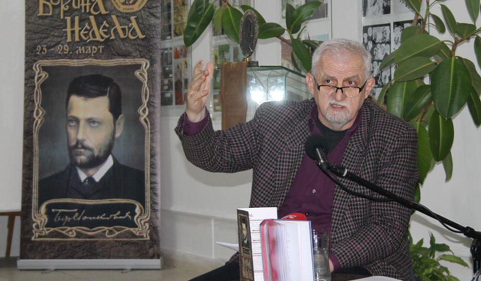 Olujićkin izraz je i dalje svež, autentičan, svrhovit, delotvoran, medidativan: Aleksandar Laković. Foto VranjeNews