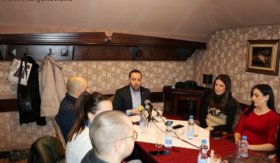Nova snaga na političkoj sceni: GG Vranje - Vranjancima u prvom susretu sa novinarima. Foto Vranje News