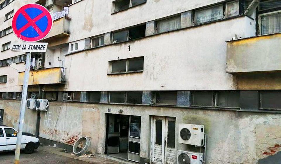 Zgrada u kojoj je živeo preminuli Vranjanac. Foto Vranje News