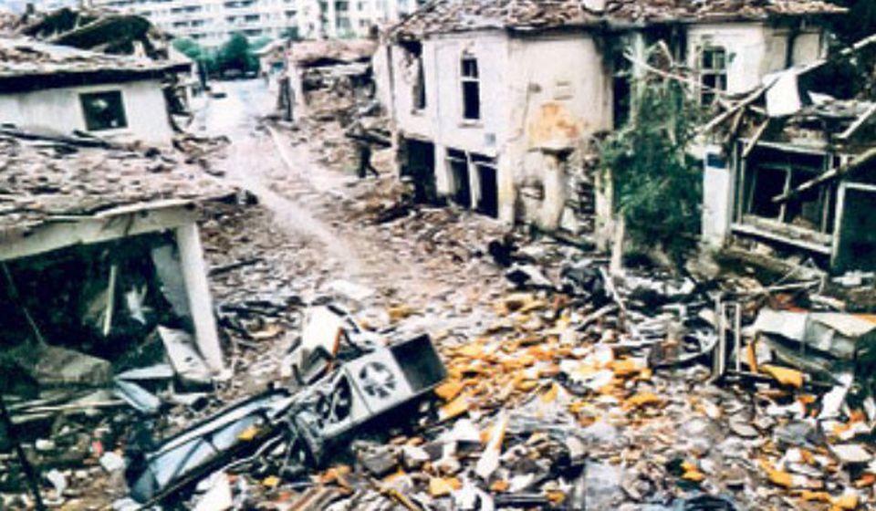 Posledice NATO bombardovanja periferije Vranja