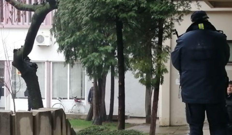 Mere obezbeđenja prilikom početka glavnog pretresa u okviru suđenja Vujačiću pred Višim sudom u Vranju u martu. Foto Vranje News