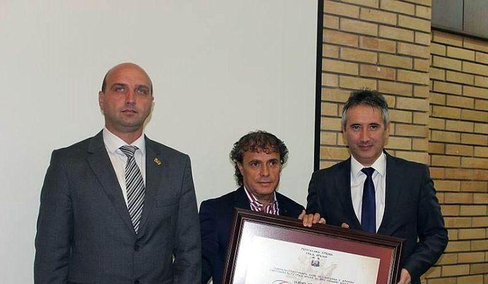 Rade Novković na prošlogodišnjem prijemu Sedmoseptembarskog priznanja. Foto Grad Vranje