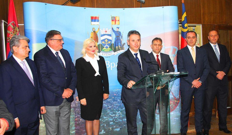 Gradonačelnik Milenković na konferenciji za medije nakon sastanaka u Načelstvu. Foto VranjeNews