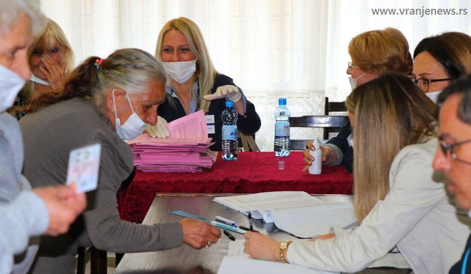 Detalj sa današnjeg glasanja u Vranju. Foto Vranje News