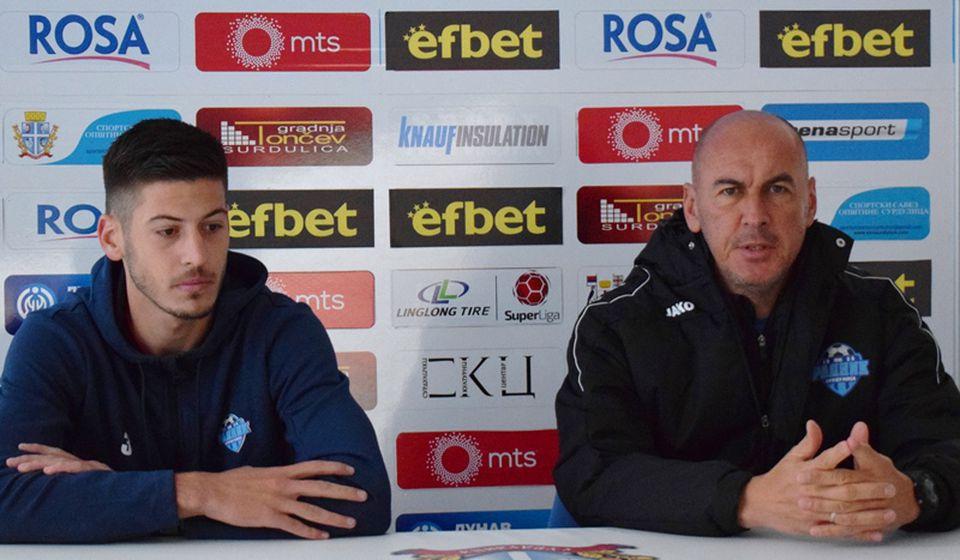 Ranko Jokić (levo) i trener Dušan Đorđević. Foto D. Mirčev
