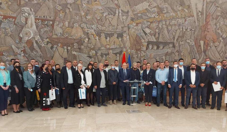 Ugovori su potpisani u Palati Srbija. Foto vranje.rs