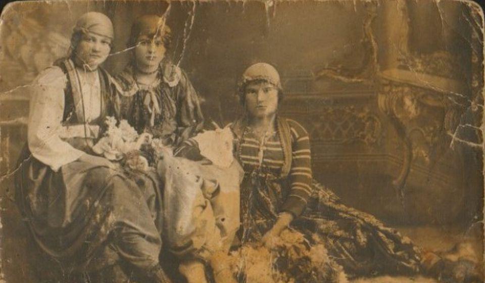 Belo Lenče - Jelena Stamenković iz familije Čelopeci (na slici dole desno). Foto RTS