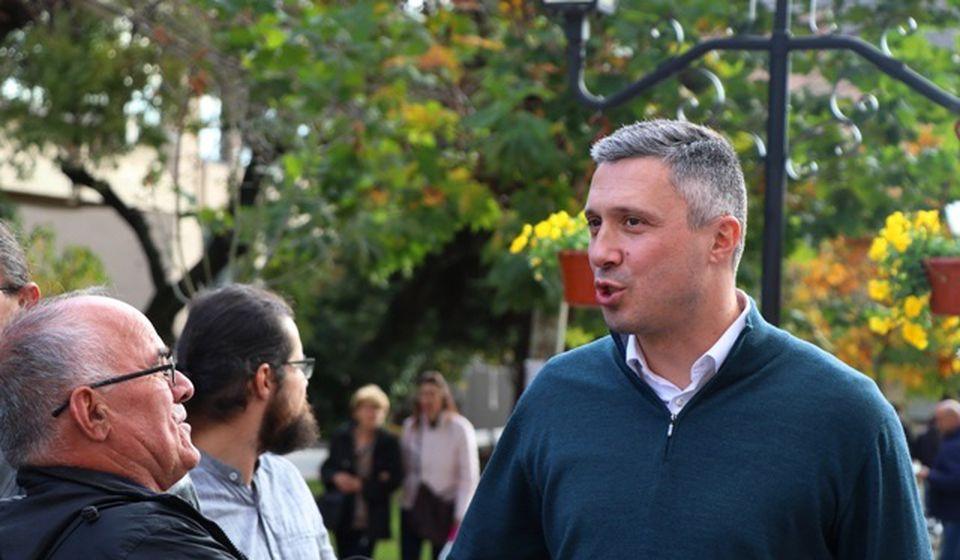 Obradović u petak na vranjskim ulicama. Foto VranjeNews