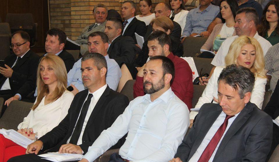 U raspravu se uključili i najviši funkcioneri grada. Foto VranjeNews