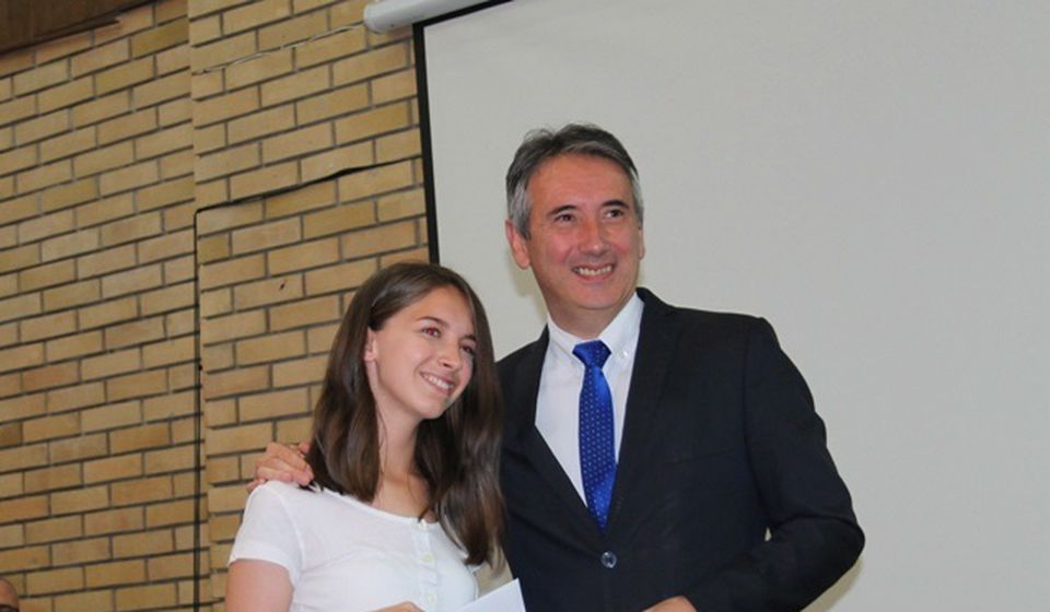 Milica Stanojković, đak generacije Ekonomsko-trgovinske škole. Foto VranjeNews