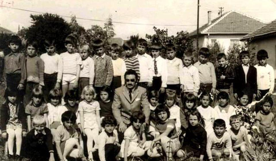 Učitelj Krampus sa svojim đacima. Foto Fejsbuk