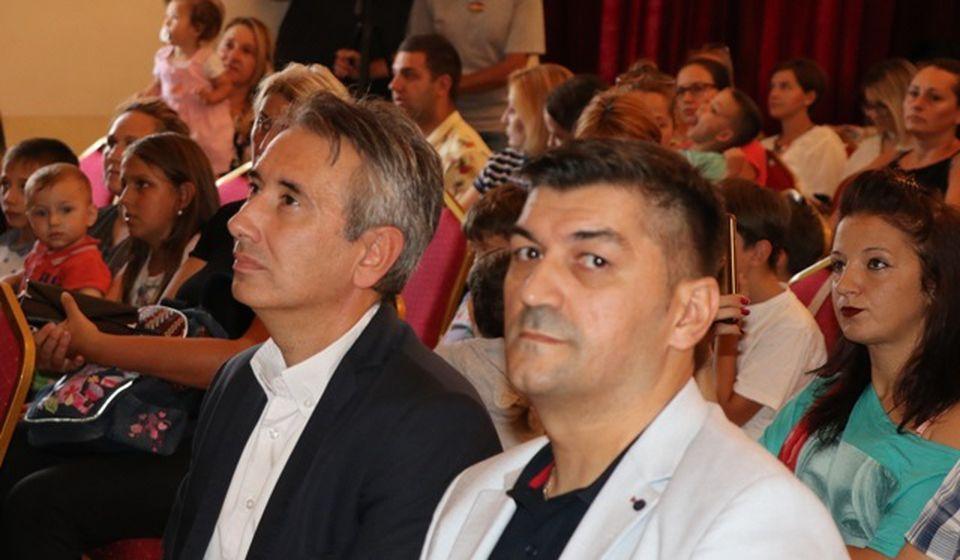 Vladica Gavrilović (desno), predsednik Pokreta 3 plus, sa gradonačelnikom Vranja Slobodanom Milenkovićem. Foto VranjeNews