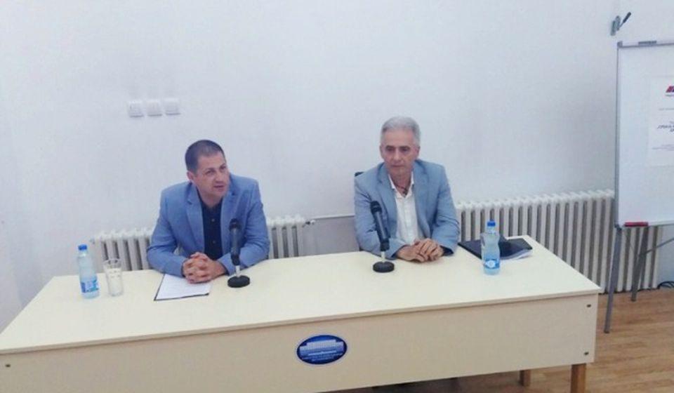 Drecunov domaćin bio je Stefan Dutina, predsednik naprednjačkog Saveta za bezbednost. Foto SNS