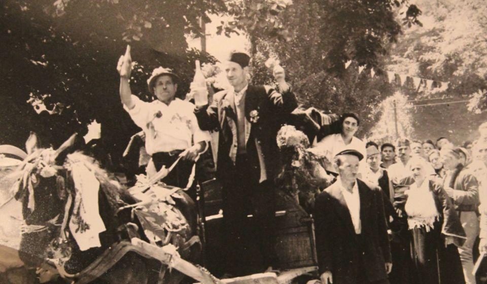 Stana Avramović Karaminga (na slici skroz desno): Foto printscreen privatna arhiva