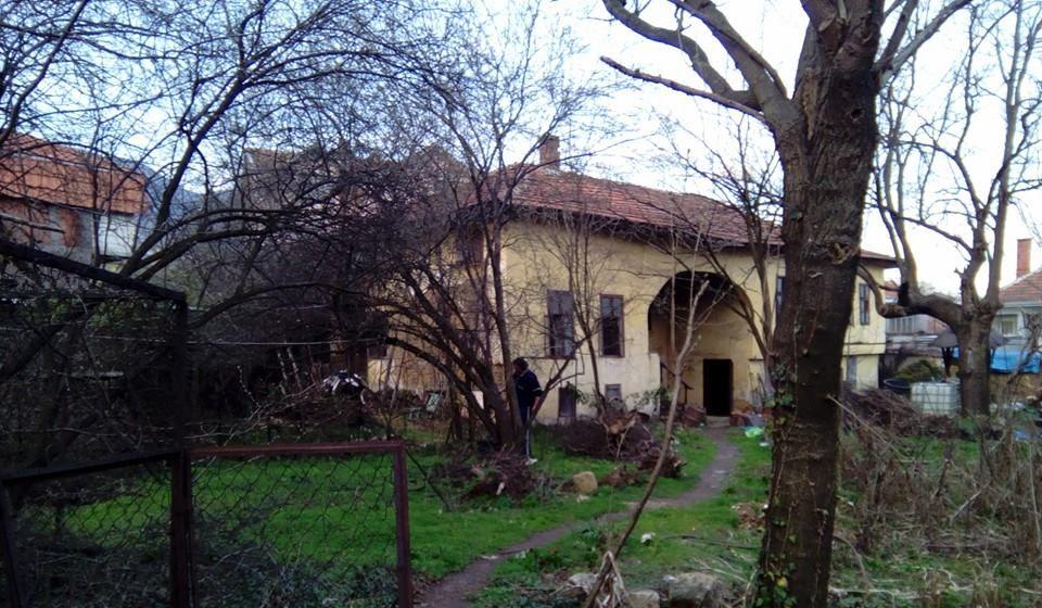 Ovako su kuća i dvorište Ace Krampusa izlgledali u martu 2016. Foto Blagoje Mišić