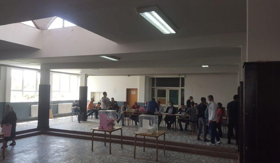Biračko mesto u Osnovnoj školi Naim Frašeri. Foto Bujanovačke