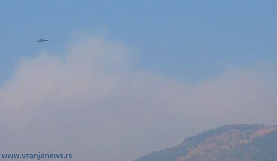 Helikopteri iznad Čestelina. Foto VranjeNews