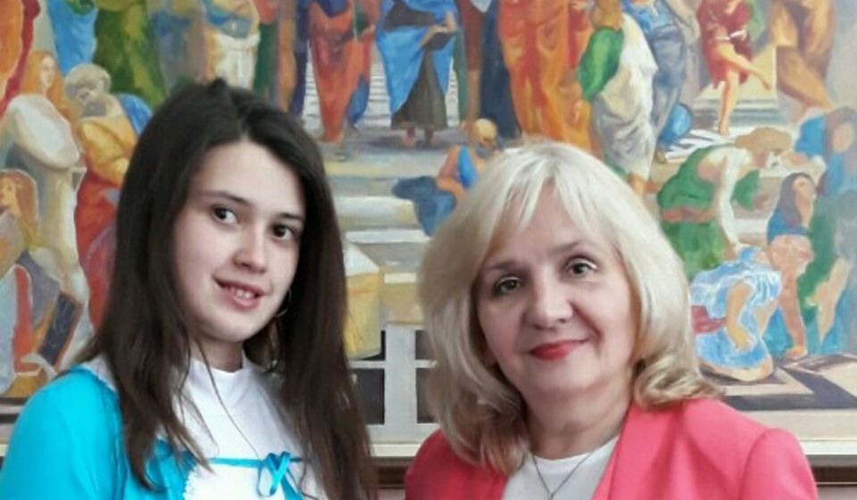 Mihaela sa profesorkom Oliverom Đorđević. Foto privatna arhiva