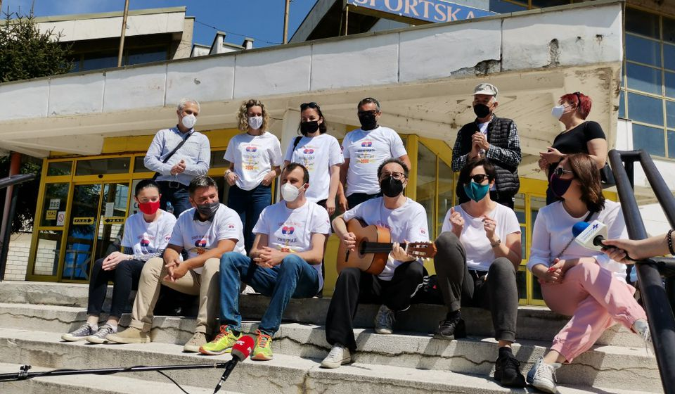 Grupa Makedonaca prilikom vakcinacije u Vranju. Foto ZC vranje.rs