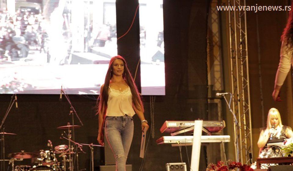 Misica Sanja u neformalnijem izdanju. Foto VranjeNews