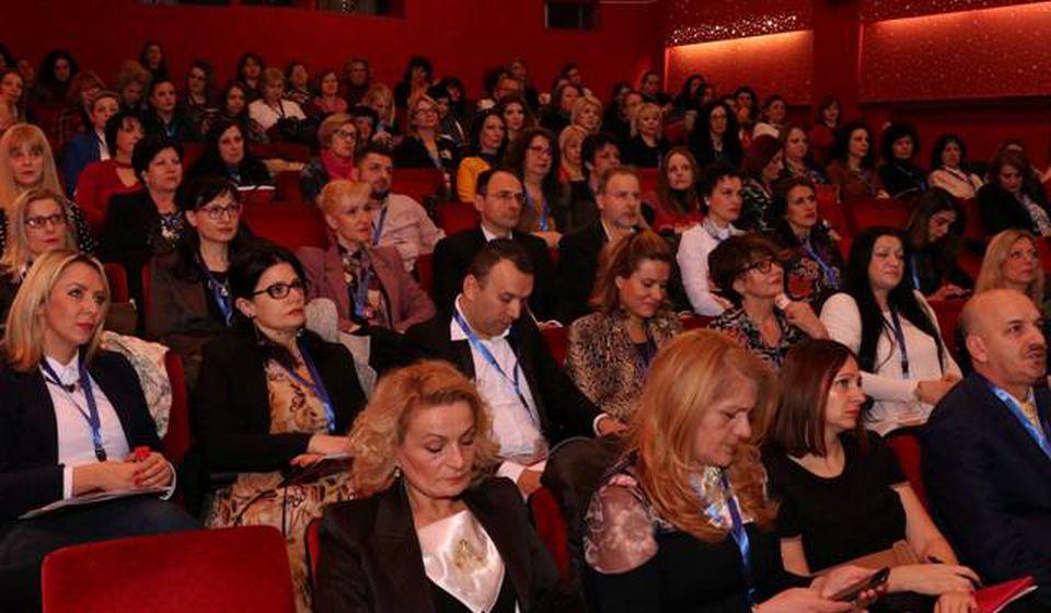 Dejanović na konferenciji u Skoplju sa kolegama iz Ex Yu. Foto lična arhiva
