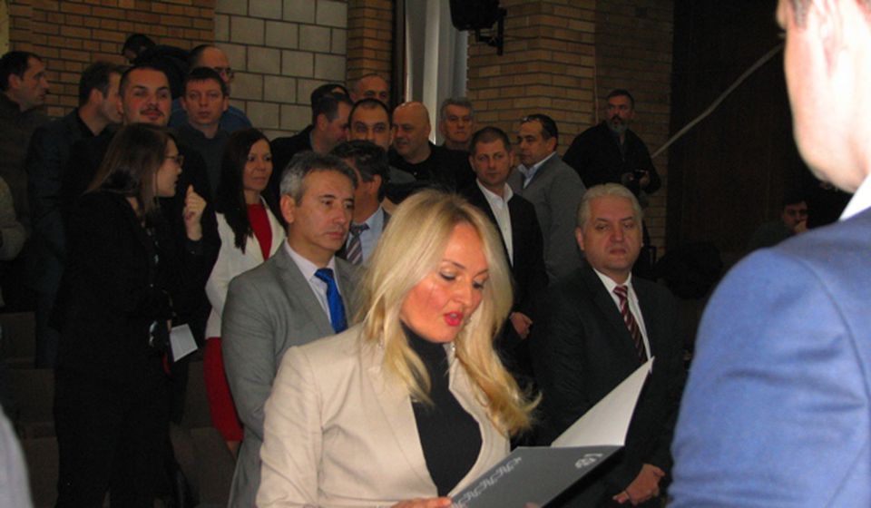 Antićev mandat dodeljen Slađani Dimčić (SPS), koja je odmah položila odborničku zakletvu. Foto VranjeNews
