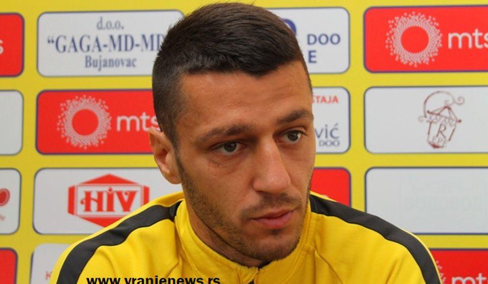 Bio uzdanica vranjskog tima na sredini terena: Miloš Ožegović. Foto VranjeNews