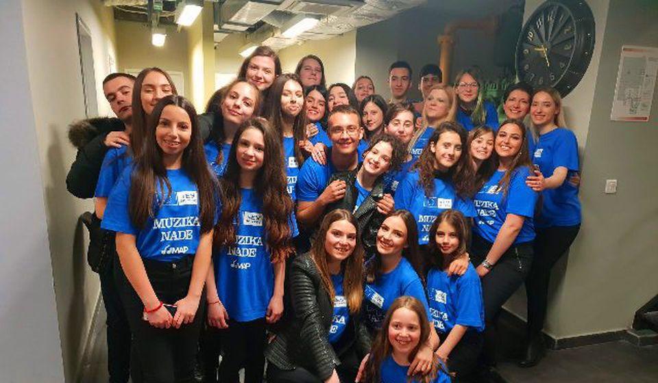 Ponos Muzičke škole Stevan Mokranjac: članovi hora i solisti. Foto privatna arhiva