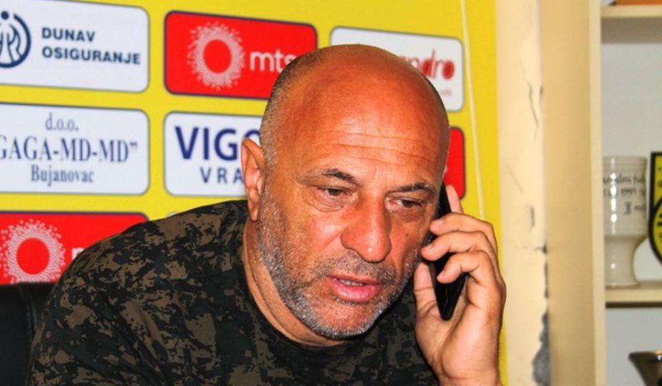 Provera rezervacije smeštaja pred utakmicu sezone za Dinamo. Foto VranjeNews