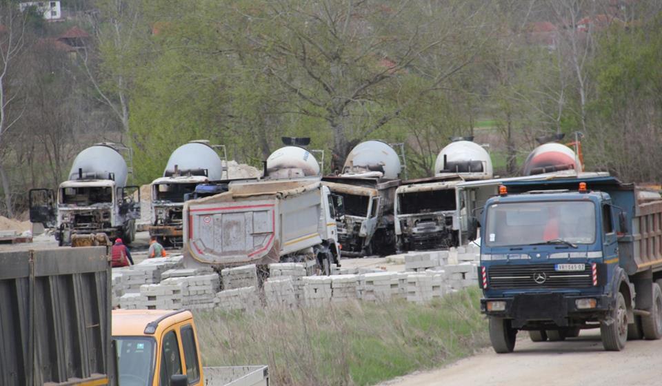 Jutro posle paljevine: pogled na zaštićenu bazu preduzeća 5D. Foto VranjeNews