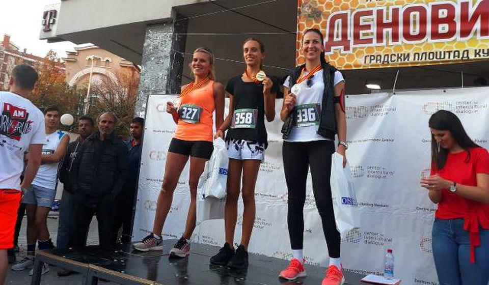 Aleksandra Kržalić (desno). Foto AK Vranjski maratonci