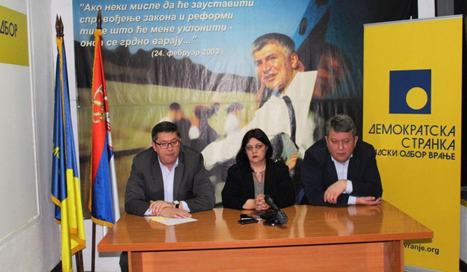Vranjski DS na čelu potpisnika saopštenja. Foto VranjeNews