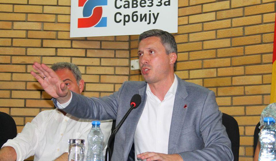 Boško Obradović na septembarskoj tribini Saveza za Srbiju u Vranju. Foto VranjeNews
