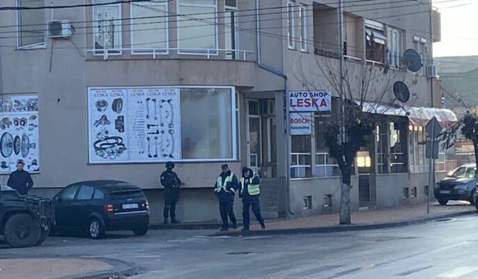 Od ranog jutra specijaci u centru Bujanovca. Foto Bujanovačke