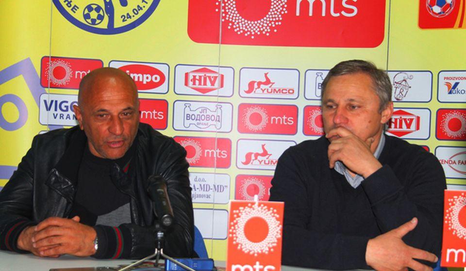 Antić i Milanović na konferenciji za medije posle utakmice. Foto VranjeNews