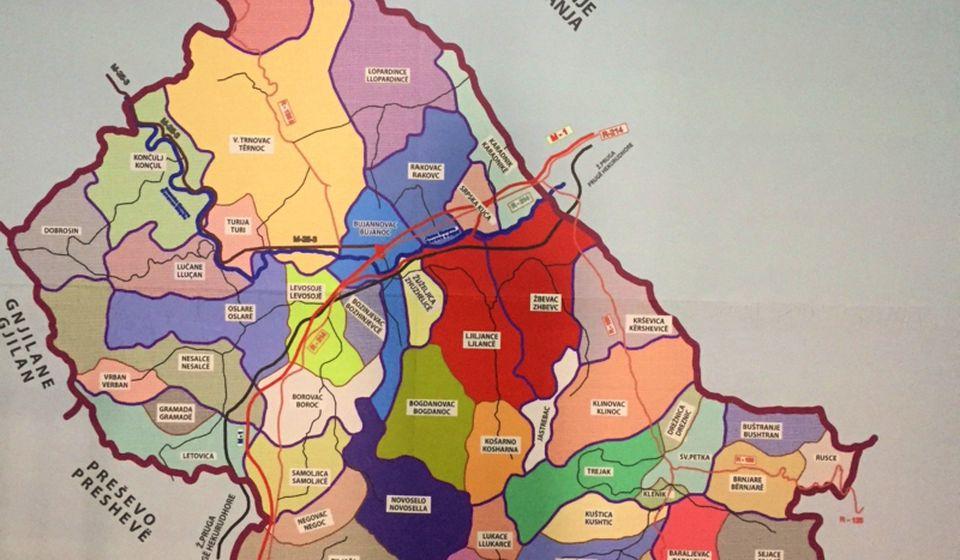 Mapa Bujanovca postavljena u holu zgrade opštine. Foto N. Lazić