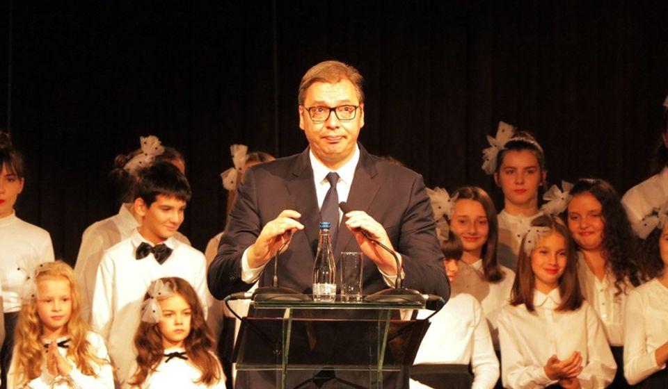 U Jumku plate 38.000 dinara, tvrdi Vučić. Foto Vranje News