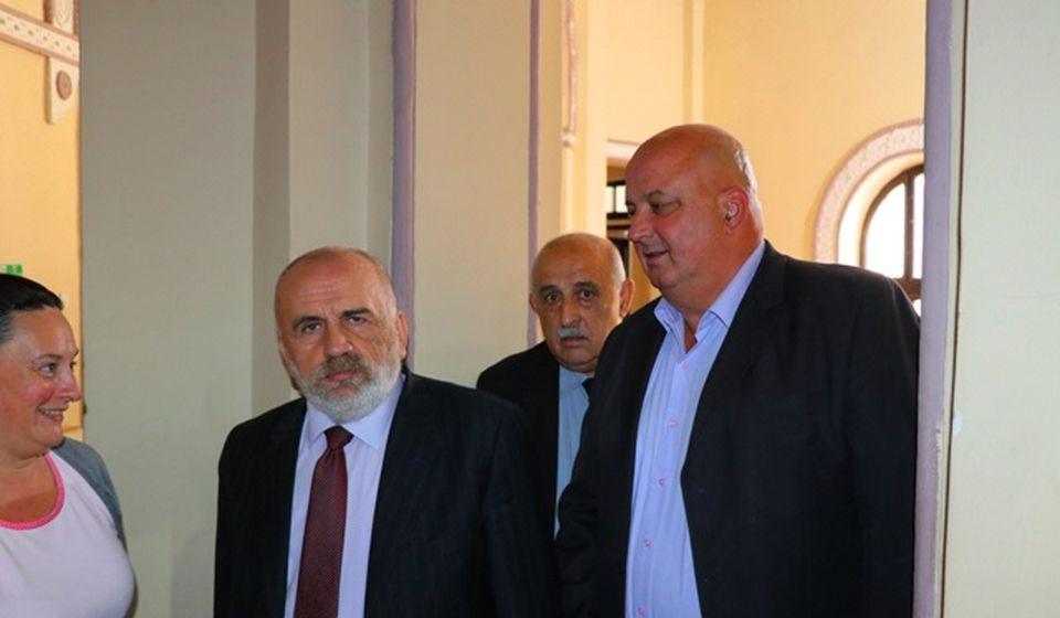 Marijan Rističević sa saradnicima. Foto VranjeNews