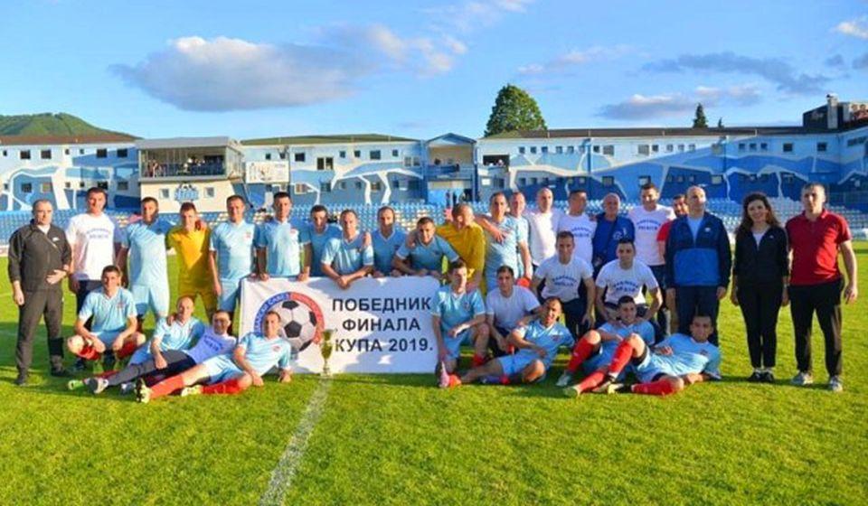 Nebeski anđeli osvojili su ove godine Kup Pčinjskog okruga. Foto FK Radnik