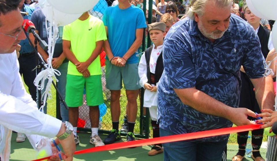 Goran Mladenović i Boba Živojinović zvanično otvorili novi teniski kompleks. Foto VranjeNews