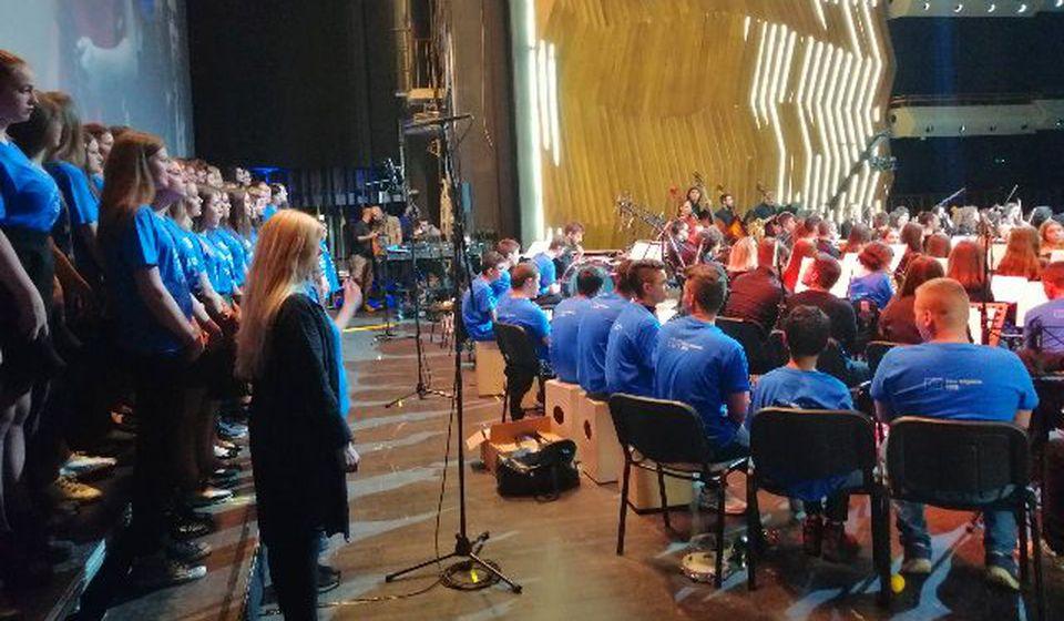 Nastup vranjskog hora u Kombank dvorani. Foto Muzička škola Stevan Mokranjac