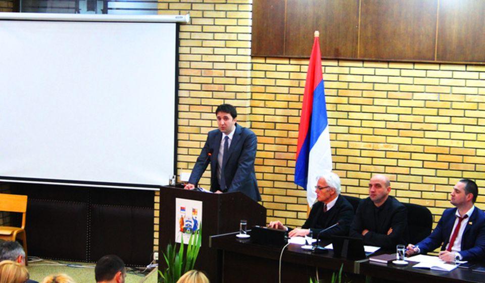 Bojan Kostić na poslednjoj sednici lokalnog parlamenta. Foto VranjeNews
