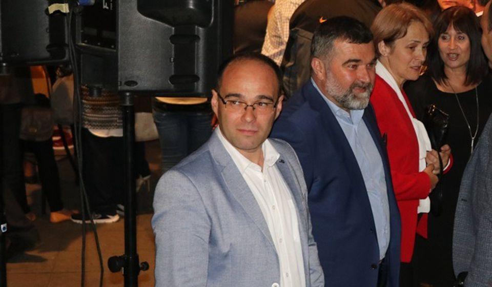 Branimir Stojančić sa stranačkim kolegama na proslavi 29 godina SPS-a. Foto VranjeNews