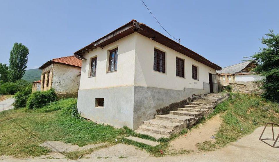 Školska zgrada u Sodercu pre sanacije. Foto vranje.rs