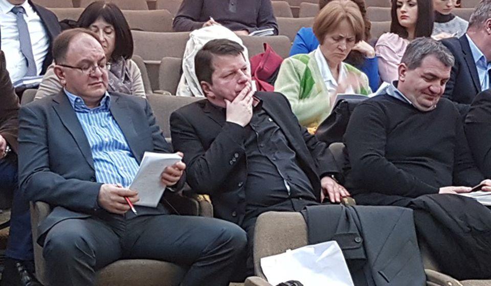 Sto odsto sigurno: dva Antića i Janjić na sednici skupštine grada. Foto VranjeNews