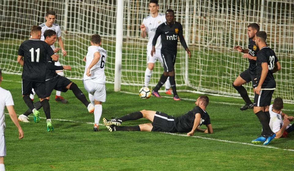 Tim sa Banovog brda za trinaest minuta dao pet golova Vranjancima. Foto FK Čukarički