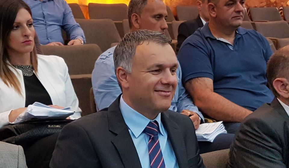 Srđan Dekić posle polaganja zakletve. Foto VranjeNews