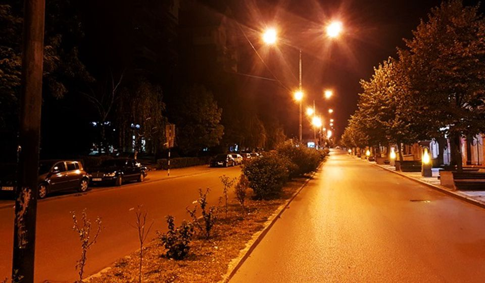 Sadašnja rasveta u delu glavne ulice. Foto Vranje News